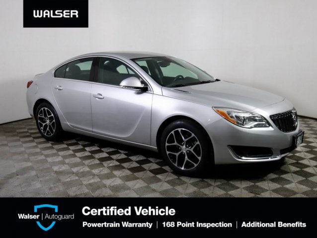 Pre-Owned 2017 Buick Regal Sport Touring FWD Sedan