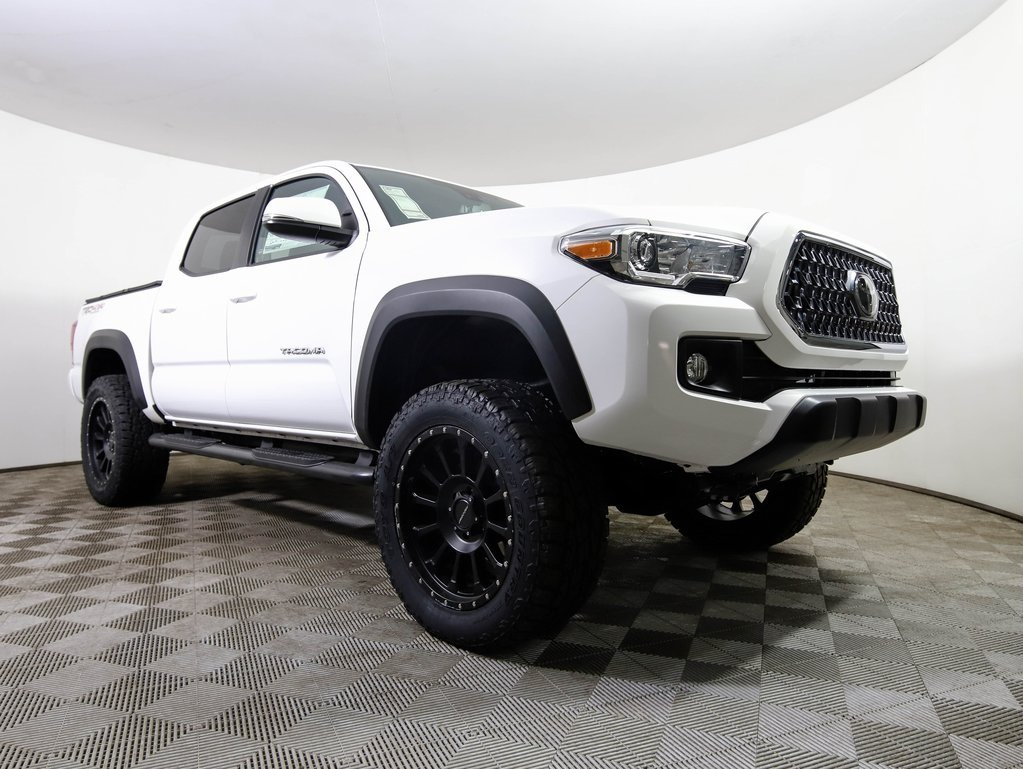 New 2019 Toyota Tacoma Crew Cab Pickup Double Cab In West