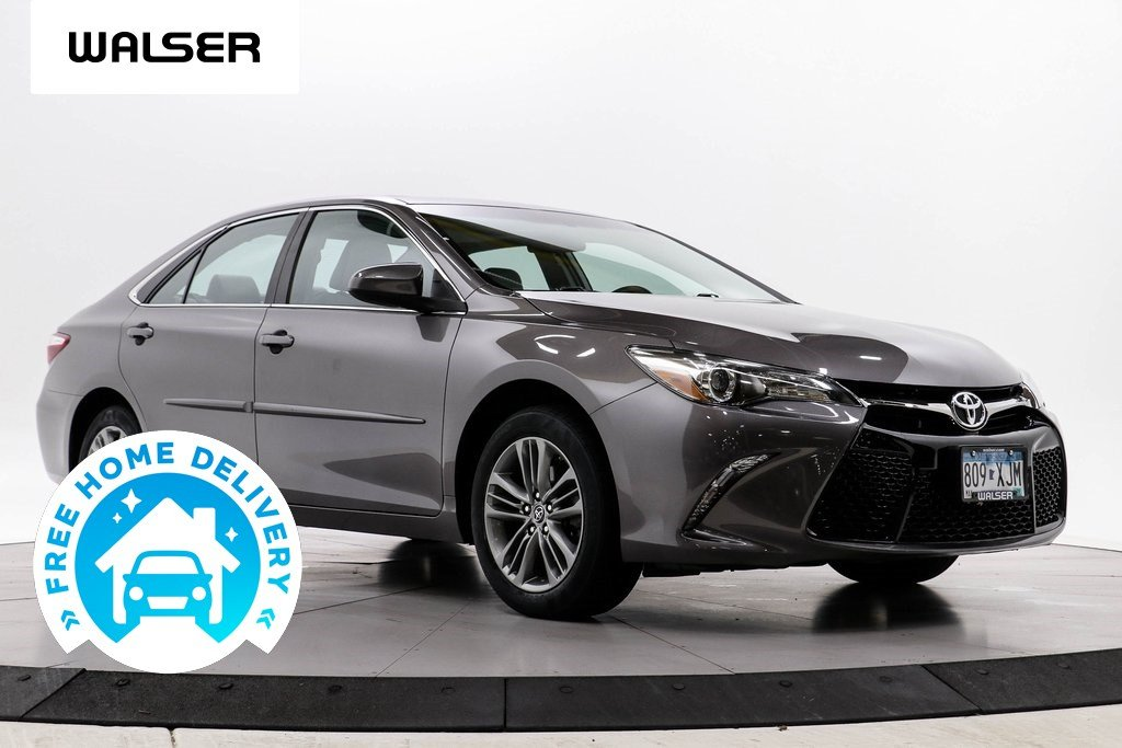Pre-Owned 2017 Toyota Camry SE MOON