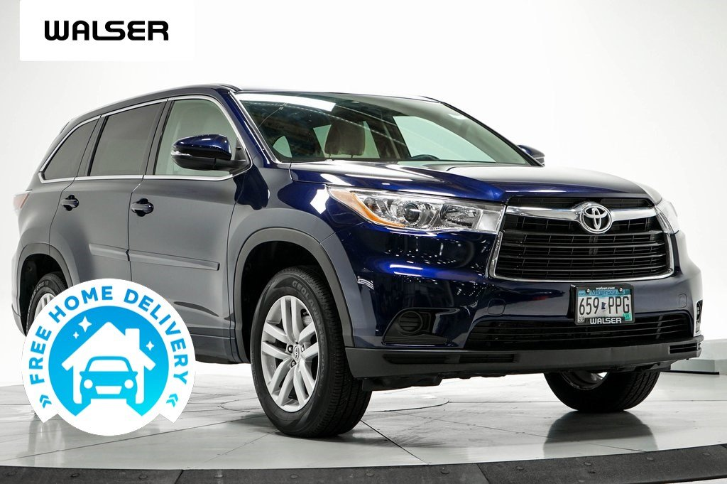 Pre-Owned 2015 Toyota Highlander LE FWD