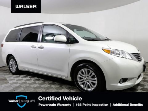 Pre-Owned 2016 Toyota Sienna XLE FWD
